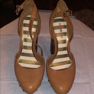 Gianni Bini leather platform studded block heels.